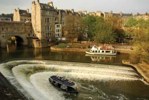 From London: Stonehenge, Bath & Lacock Full-Day Sunrise Tour