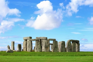 From London: Windsor, Stonehenge, Lacock and Bath