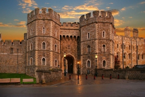 From London: Windsor Town and Stonehenge Tour with Lunch