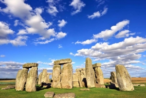 From Windsor Town and Stonehenge Tour with Lunch
