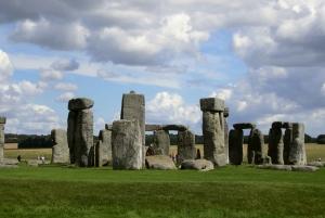 Full-Day Windsor Castle, Bath, & Stonehenge Tour