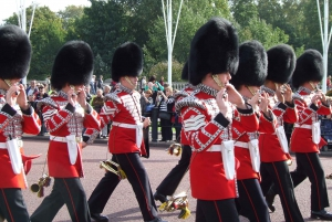 London in One Day with Changing of The Guard & River Cruise