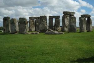 London Open-Top Bus Tour and Stonehenge Visit