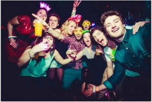 London: Pub Crawl Experience at 4 Venues with Shots