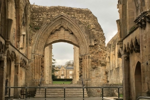 London: Stonehenge, Glastonbury & Avebury Small Group Tour