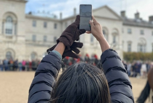 London: The Changing of the Guard Private Family Tour