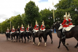 London's Top Sights: Walking Tour with Fun Local Guide