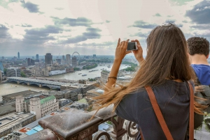 Magic of London Tour with Afternoon Tea at Harrods