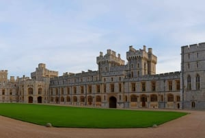 Private Chauffeured Tour to Windsor Castle from London
