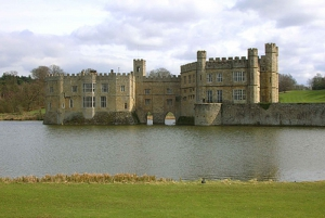 Private Full-Day Tour: Leeds Castle & Chartwell from London
