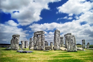 Small Group Stonehenge and Bath Tour with Secret Site