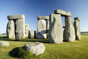 Stonehenge and Bath Full-Day Tour from London