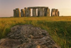 Stonehenge, Bath, Lacock, & Avebury Small Group Tour
