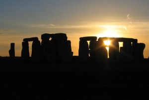 Stonehenge Private Sunset Tour with Lacock and Bath
