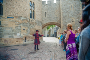 Tower of London Small Group Tour with a Beefeater
