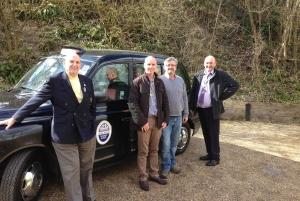 Windsor Castle & Hampton Court Palace VIPBlack Taxi Tour