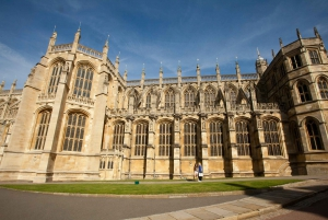 Windsor Castle Tour with Fish and Chips Lunch in London