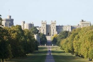 Windsor, Stonehenge, Bath: Full-Day Xmas Tour from London