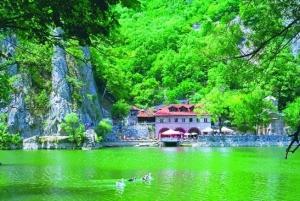 Skopje: Matka Canyon Sightseeing Tour