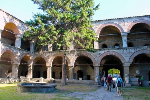 Skopje: Private Half-Day Walking Tour of Old & New