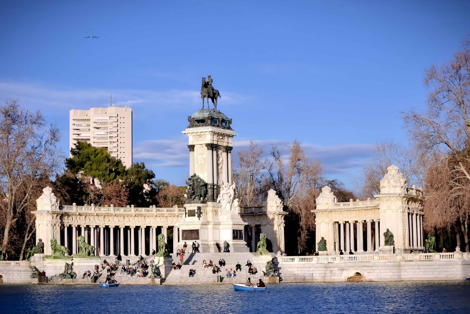 1.5-Hour Retiro Park Guided Walking Tour