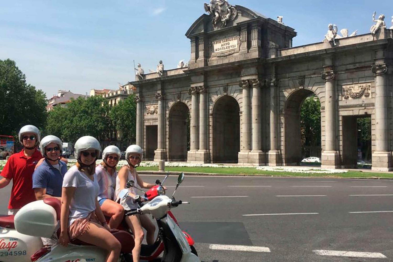 3-Hour City Tour on a Vespa Bike