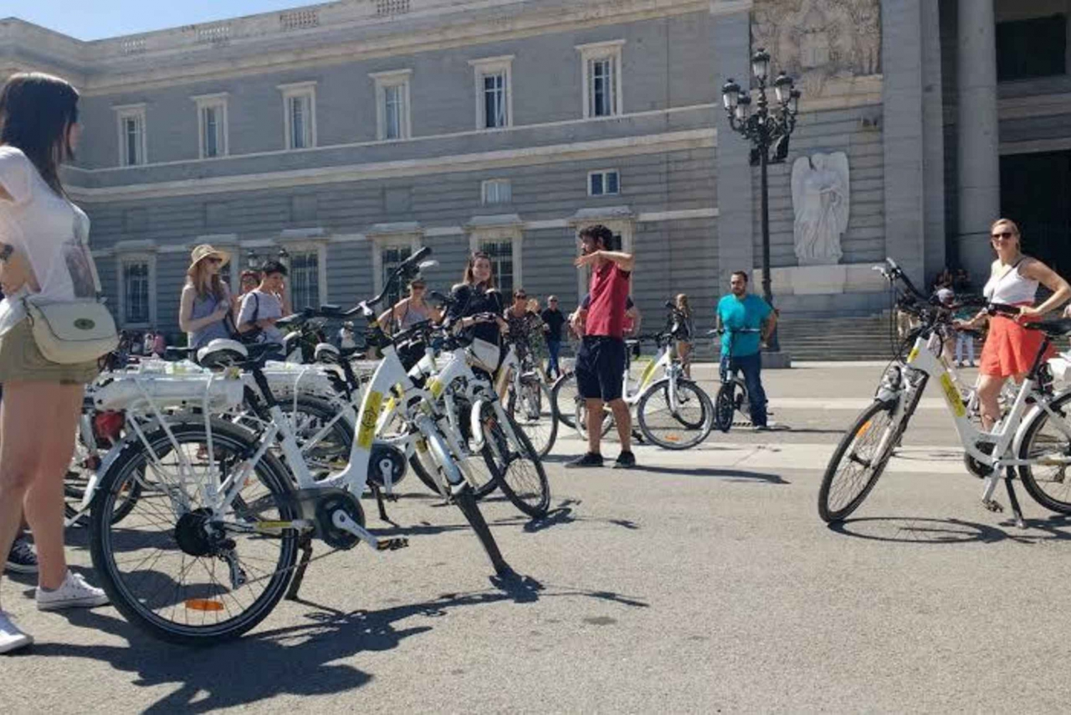 3-Hour Sightseeing Tour by Electric Bike
