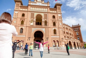 4-Hour Bus Tour with Royal Palace Admission