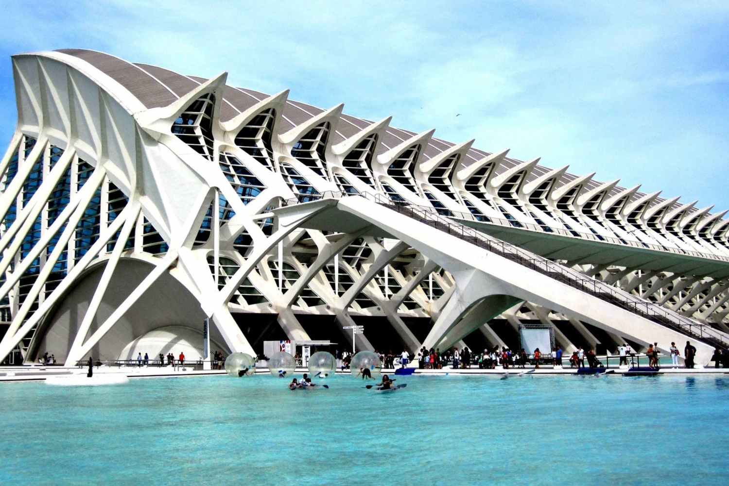 Discover Valencia from Madrid by High-Speed Train & Bus Tour