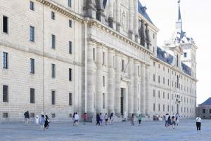 El Escorial & Basilica of the Valley 5-Hour Guided Tour