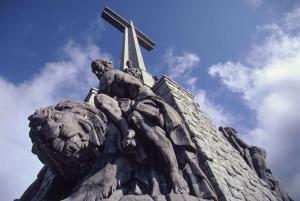 From Madrid: Full Day Avila, Segovia and El Escorial Tour