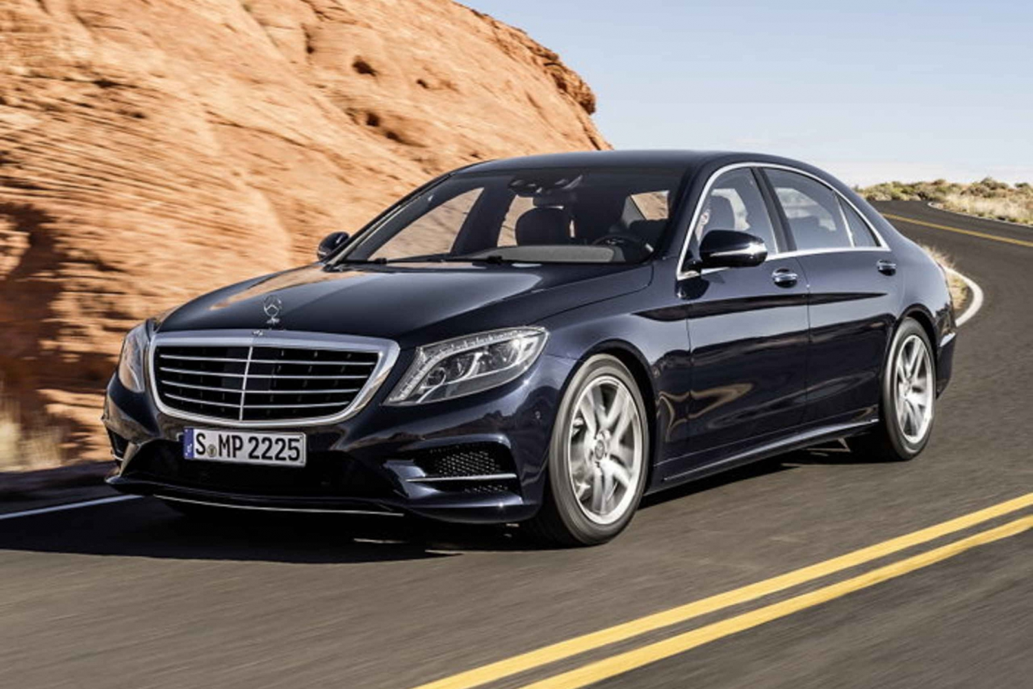 Madrid 1-Way Luxury Transfer between Airport and Hotels
