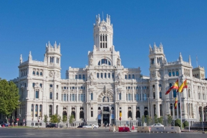 Madrid: Cibeles Palace & Retiro Park Walking Tour