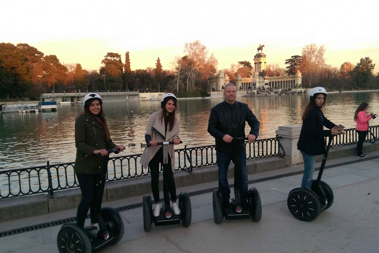 Madrid El Retiro Park: 1.5-Hour Segway Tour