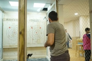 Madrid: Exclusive Axe Throwing Target for up to 4 People