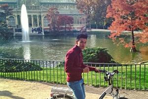 Madrid: Literary Quarter & Retiro Park Electric Bike Tour