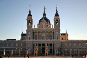 Madrid: Old City Tour in Italian