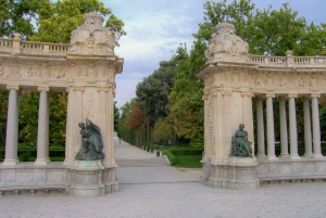 Madrid: Private Customized Walking Tour with a Local Host