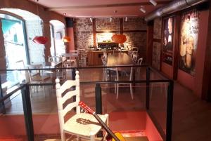 Madrid: Retiro Park Guided Tour and Tapas Tasting