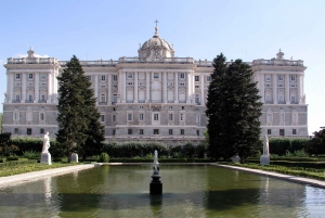 Madrid: Royal Palace Guided Tour with Skip-the-line Ticket