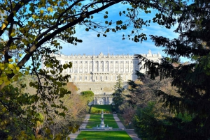 Madrid: Self-Guided City Discovery Game