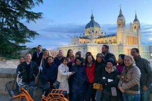 Madrid: Sunset and Night Lights Bike Tour
