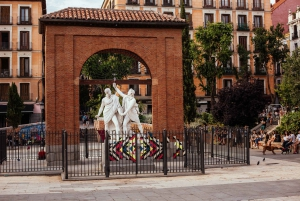 Madrid: Tour of Madrid's Alternative Side with a Local Guide