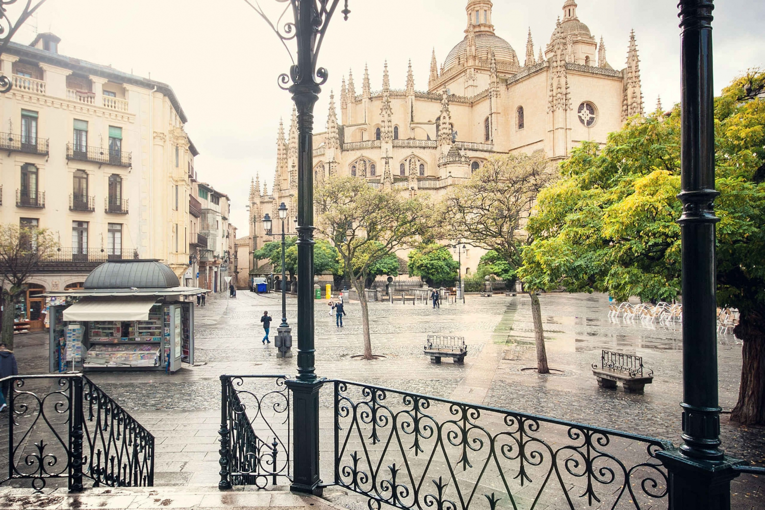 Small Group: Segovia & Medieval Pedraza Guided Day Tour