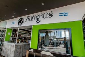 Angus Muelle Uno