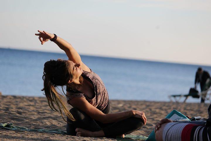 Yoga Dinamico a voluntad en Malagueta