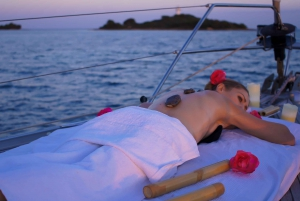 Alcudia: Romantic Sailing Trip with Diner for 2