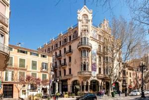 Mallorca: Palma City Experience Self-Guided Tour