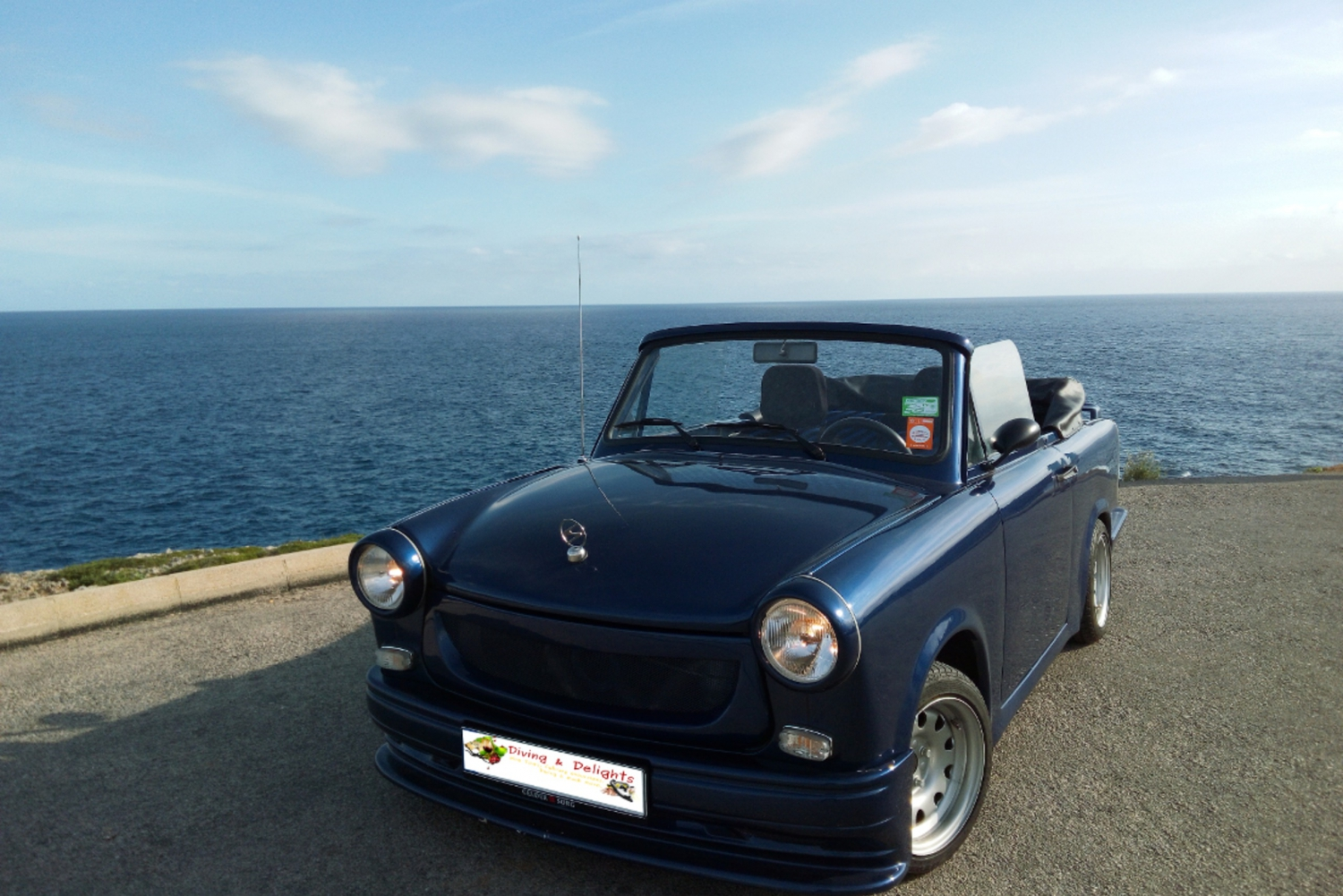 Privat Trabant Cabrio Tour with Wine Tasting