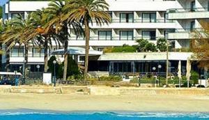 Serrano Palace Hotel